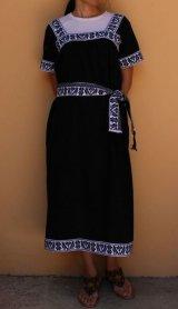 メキシコ刺繍・ナワ族の刺繍ワンピース・マンタブラック×ブラック刺繍 ベルト付