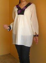 メキシコ刺繍チアパスのネックライン刺繍ブラウス長袖・ホワイト
