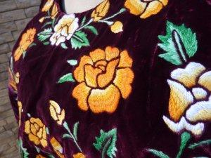 画像4: メキシコ刺繍ブラウス・テワナ・レッドパープル・手刺繍・脇縫いなし・クッションカバーなどにも