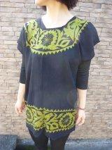メキシコ刺繍マサテコ族の鳥刺繍ブラウス・オリーブグリーン