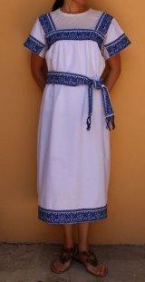 メキシコ刺繍・ナワ族の刺繍ワンピース・マンタ×ブルー刺繍 ベルト付